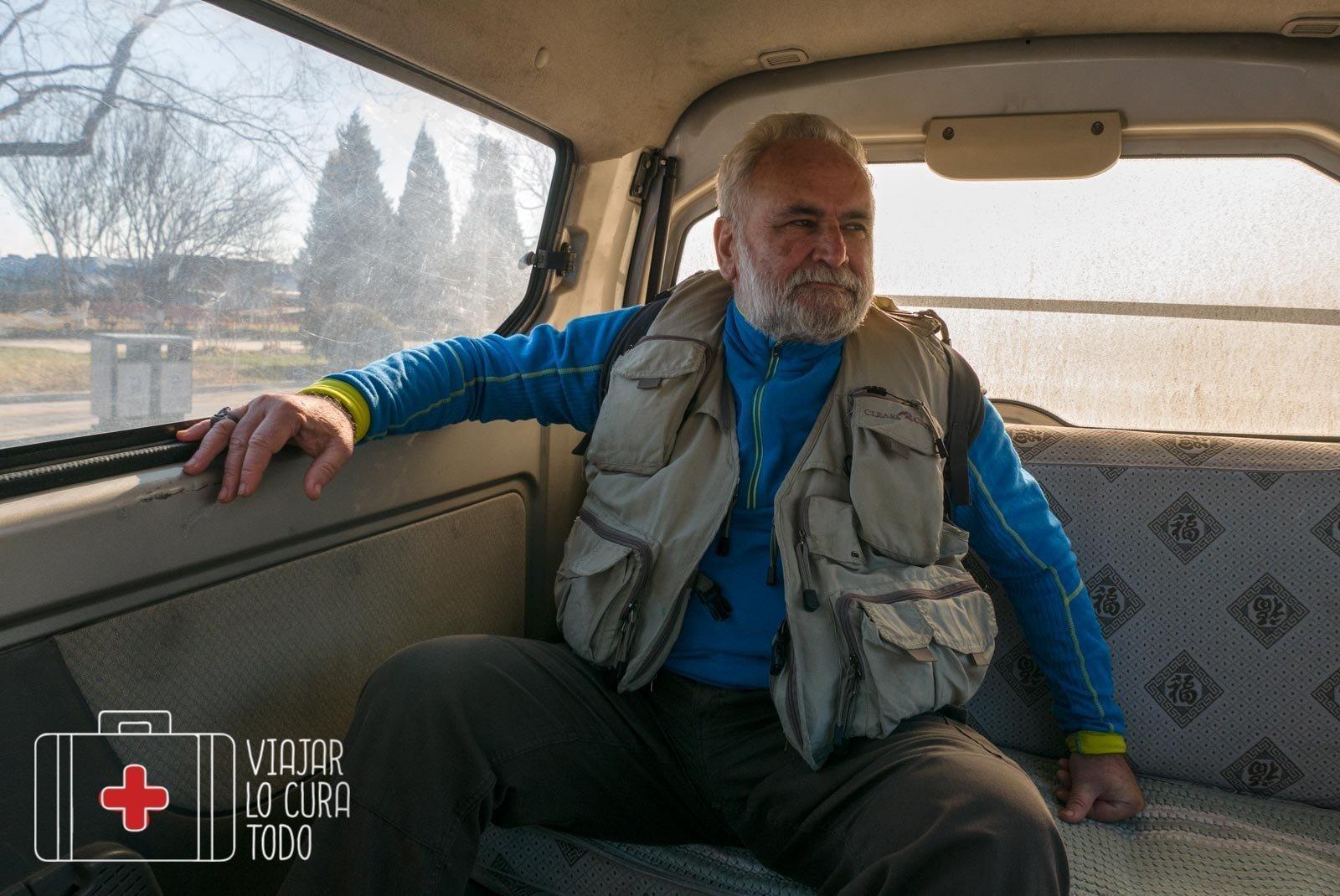 En la furgoneta-taxi pirata