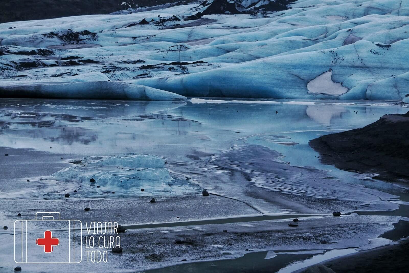 Islandia en campervan: día 3 Trekking por el glaciar