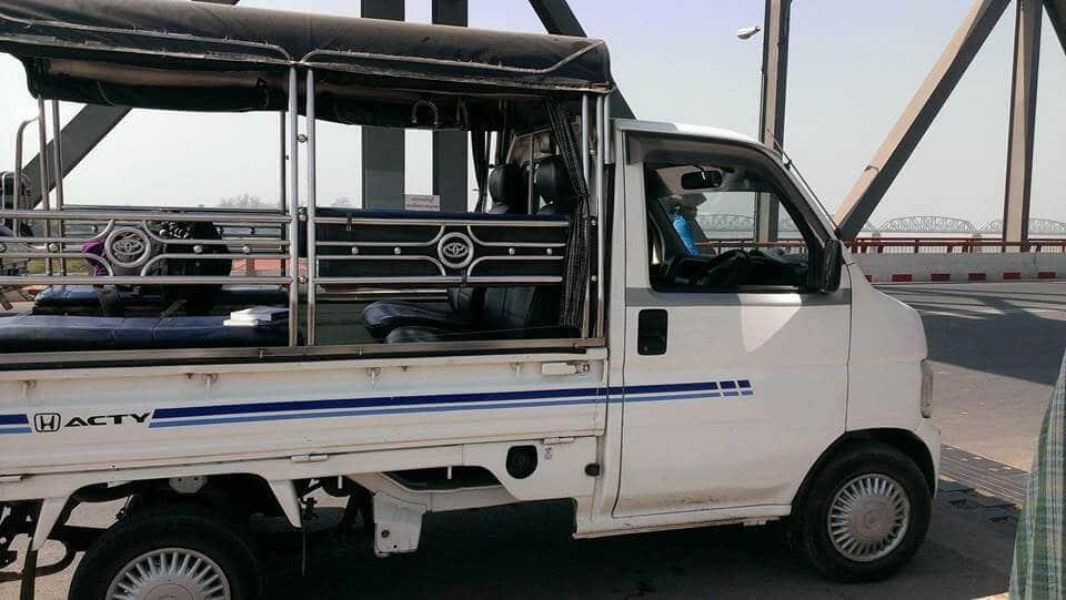 myanmar taxi driver