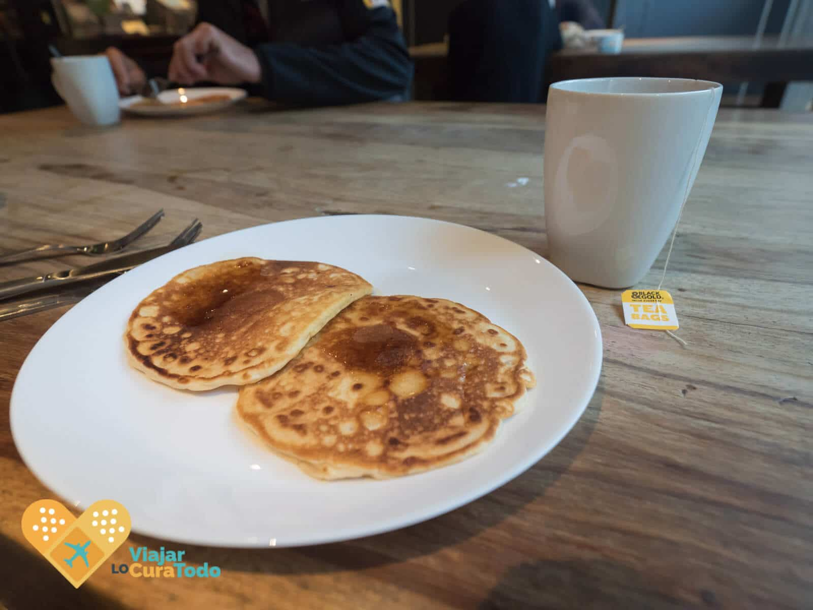 free pancakes breakfast Nomads Melbourne