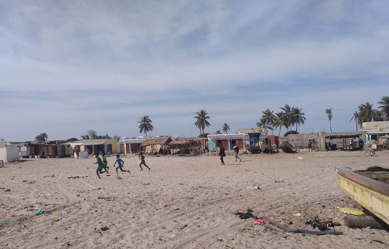 senegal niños playa