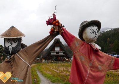 Espantapájaros en Shirakawa-go