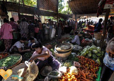 inle lake market myanmar