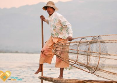 fishermen at inle lake myanmar