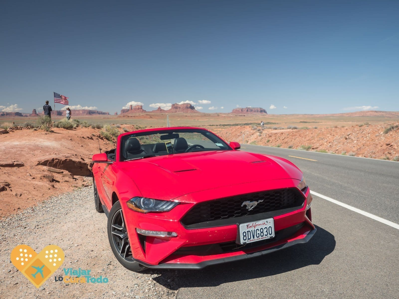 mustang rojo en monument valley