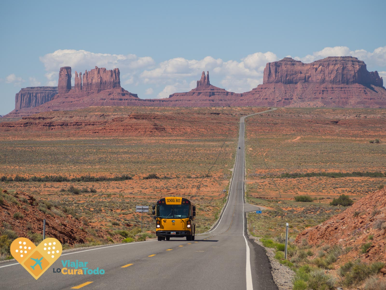 autobús escolar en Monument Valley