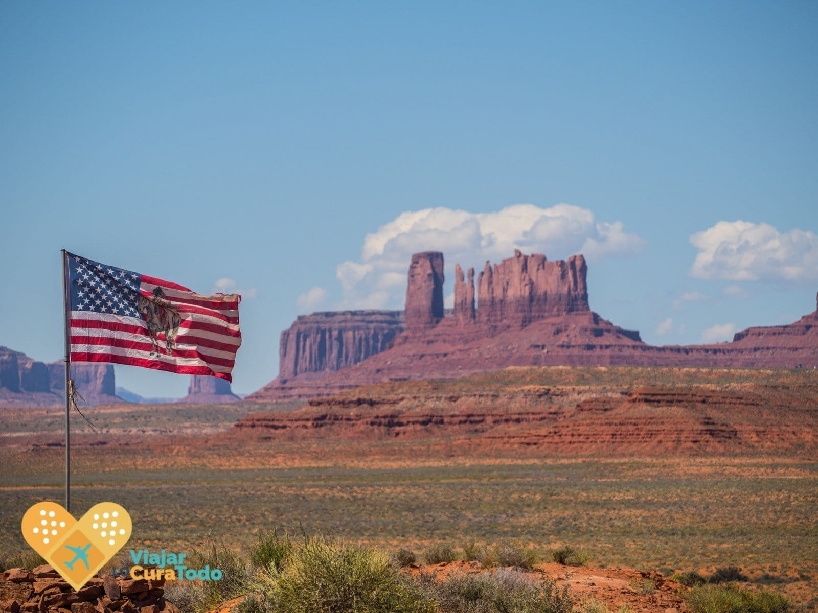 bandera americana en Monument Valley