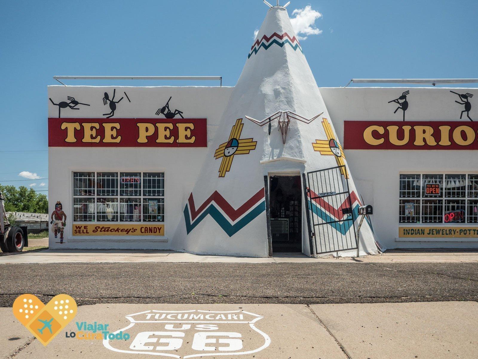 Tee Pee Curious de Tucumcari