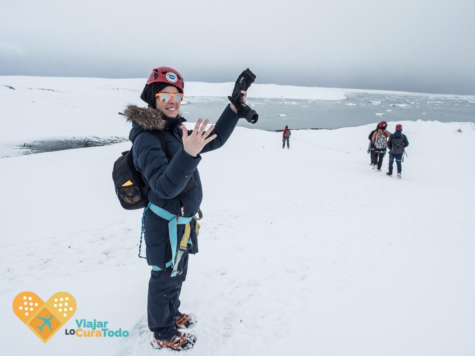 ropa para visitar las cuevas de hielo de Islandia
