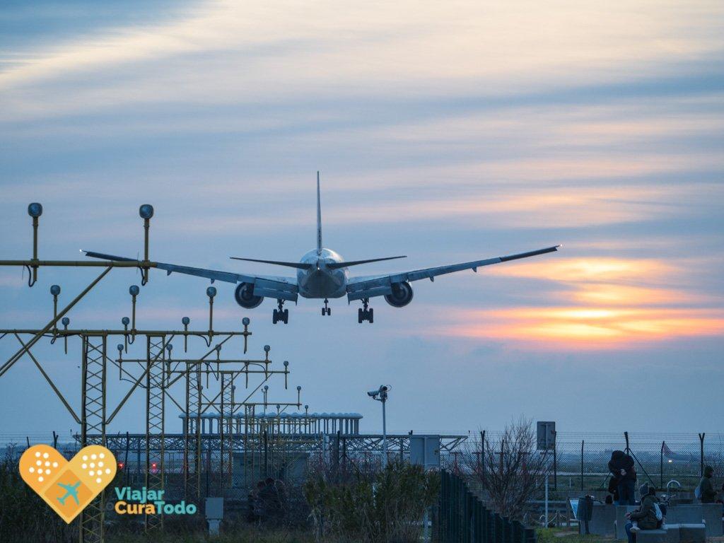 avion aterrizando en el Prat